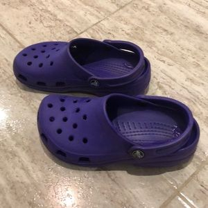 Crocs size 6 women's purple